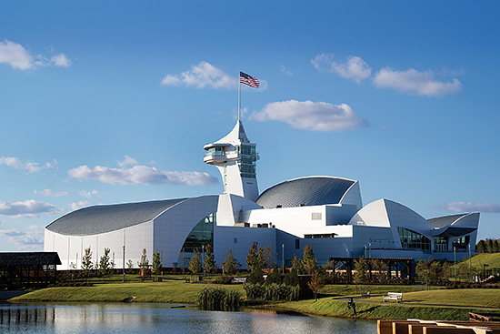 Discovery Park – Drawing attention to the Discovery Park of America museum in Union City, Tenn., architect Verner Johnson used approximately 33,000 sq. ft. of PAC-CLAD .032 Silver Metallic Tite-Loc and Snap-On Standing Seam Panels to create dramatically-curved elements. In addition, 11,000 sq. ft. of PAC-CLAD Flat Stock in Silver Metallic and Bone White was used for soffits, flashings and detailing.
