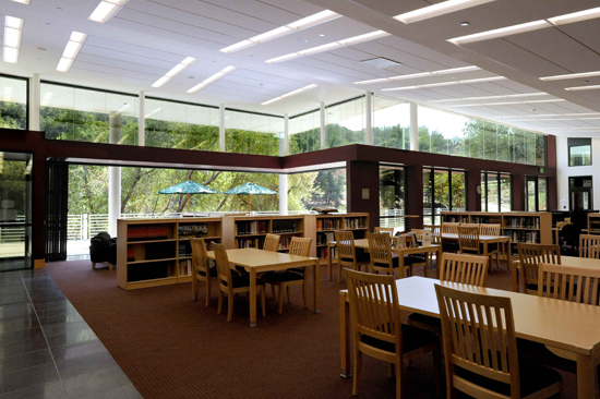 At the Viewpoint School in Calabasas, California, Kalban Architects used a folding glass system to admit maximum natural light.