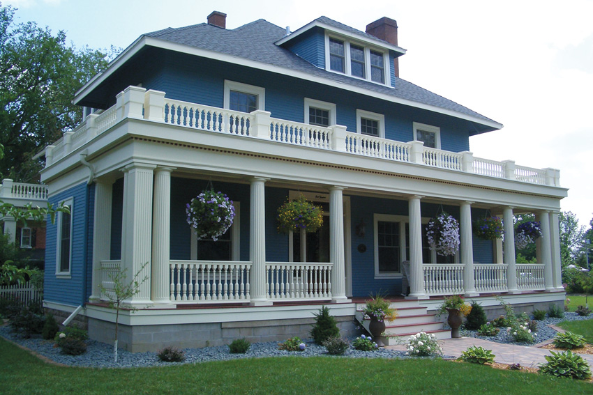 Photo of a house with moldings.