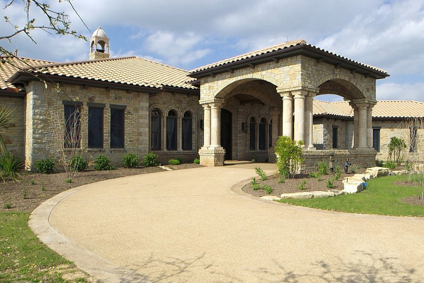 Texas limestone has been used successfully not only on commercial buildings but on custom residential projects as well.