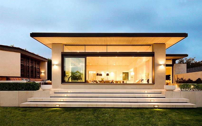 Photo of a modern house.