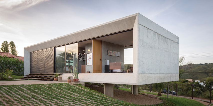 Multi-panel door systems capture energy efficiency, natural daylighting, and boost indoor air quality. The multi-slide doors open this home dramatically to its environment.