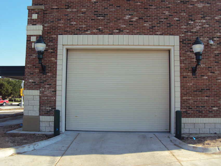 This rolling door section shows where conventional doors are most susceptible to air leakage.