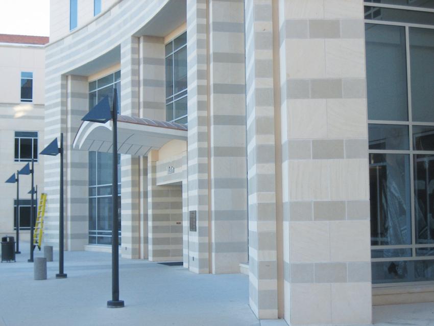 The variety of colors of Texas limestone allows for different patterns and design capabilities as shown here in Academic Building III at the University of Texas, San Antonio.