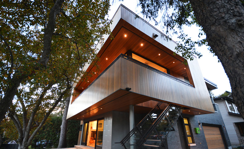 Photo of a modern house with Western Red Cedar exterior.