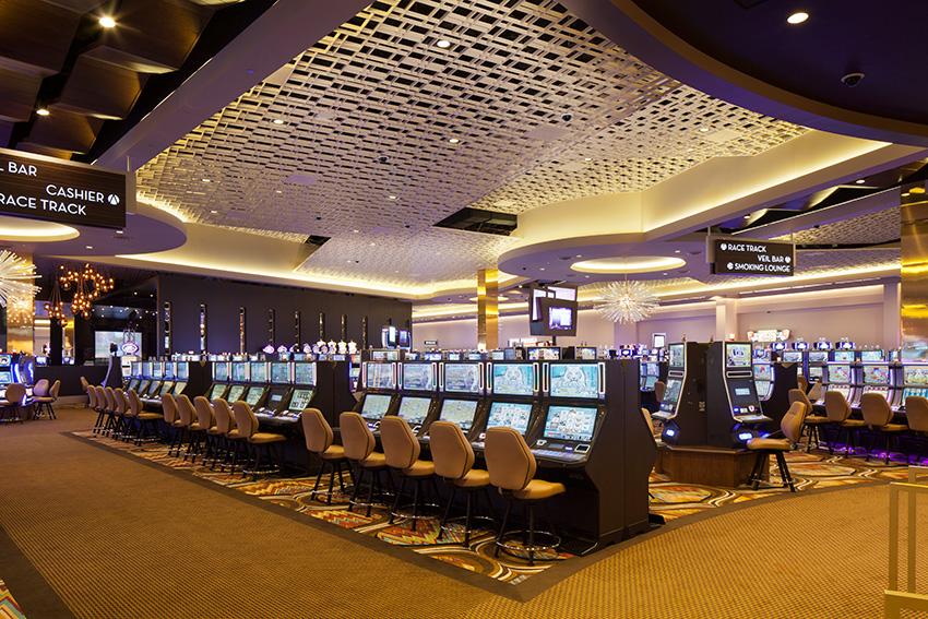 Interior photo of Scioto Downs Casino.
