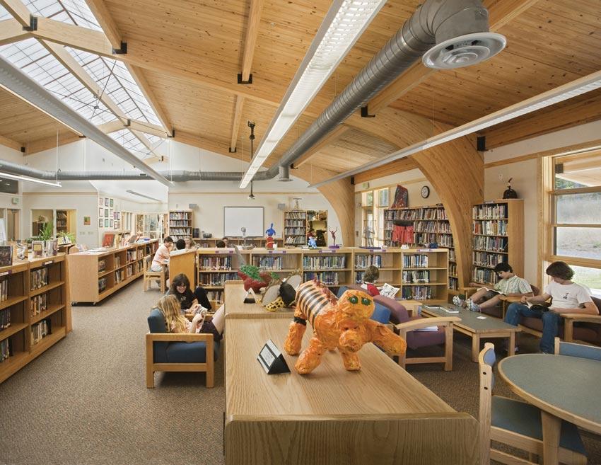 Photo of the Duke School library.