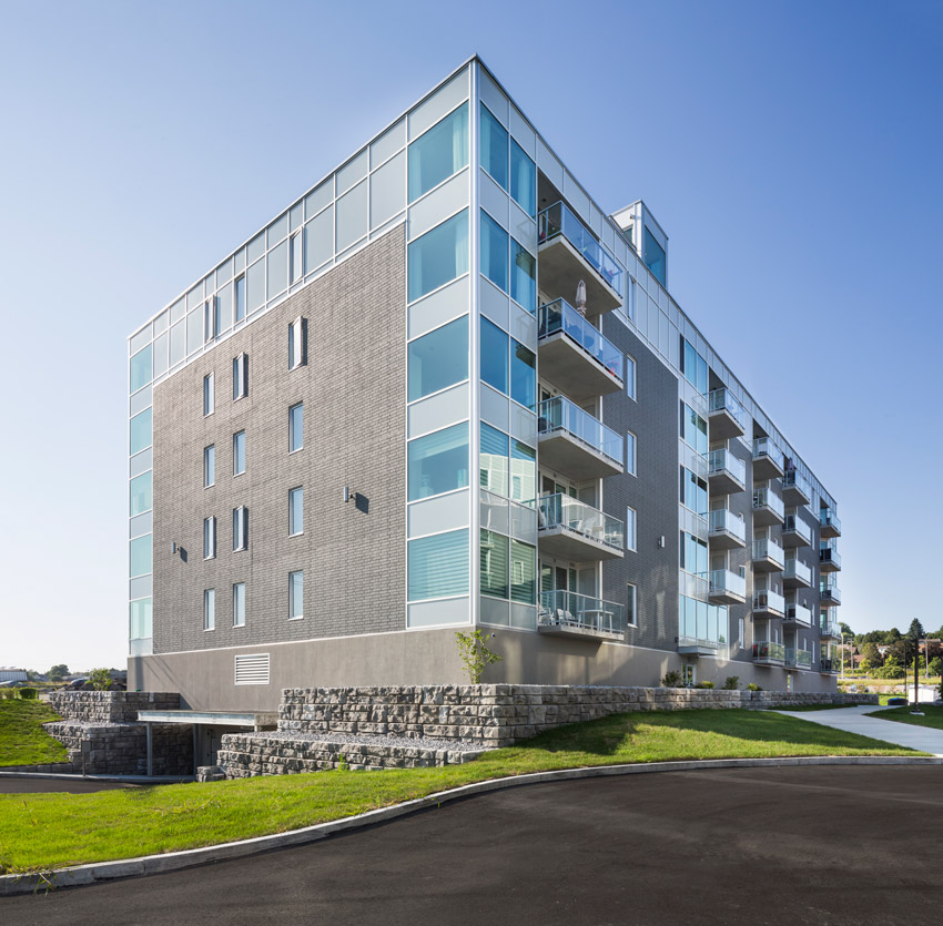 Logisbourg selected a precast wall system for the contemporary five- story Luxembourg III, a luxury apartment in Quebec City, Canada