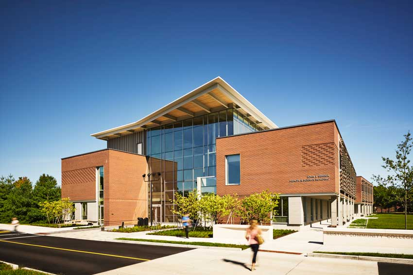 Photo of Bristol Community College John J. Sbrega Health and Science Building
